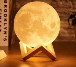 Luminária em formato de Lua Cheia