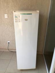 Vende-se freezer cônsul