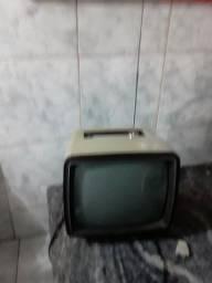 Vendo tv fhilco 12 polegadas preta e branco funcionando