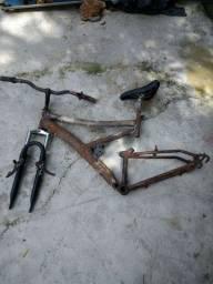 Vendo bike suspensão no ponto para pintura