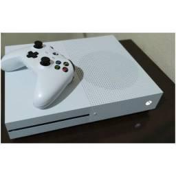 Xbox One S 1 Tb c/ 1 controle sem fio