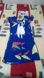 Vestido azul floral feminino