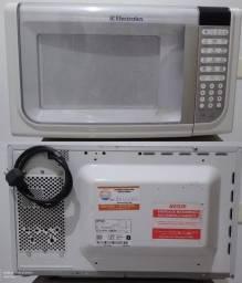 Micro-ondas Electrolux 31L_MEF41 -127 V - (para consertar) - R$ 90 - aceito negociar