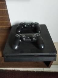 Console Play Station 4 ( sem marcas de uso )