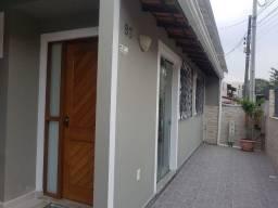 Alugo casa com 5 cômodos no Itacorubi