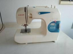 Máquina de costura Singer Nina