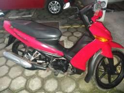 Vendo moto Cripyton Yamaha vermelha ano 2010