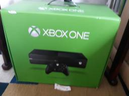Xbox One Fat 2 jogos e um controle( com defeito)