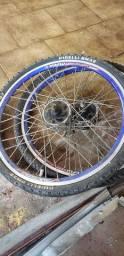 Dois aros de bike
