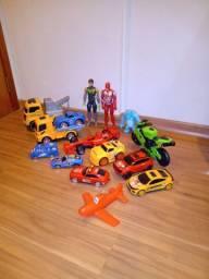 Lote de brinquedos menino
