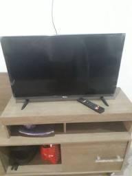 Vendo TV nova 900 reais tem conversa