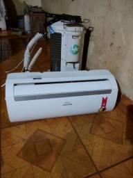 Ar condicionado 9000 BTUs frio, 220 ( não e inverter ) 950 reais