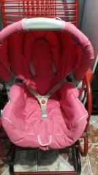 Bebê conforto e banheira usados