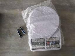 Balança digital 10kg na caixa + pilhas
