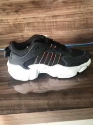 Tênis Adidas Magmur Runner tam 37