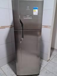 Geladeira Electrolux Inox frostfree 371 L