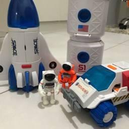 Conjunto NASA Foguete carro e estação espacial