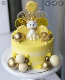 Aceito encomendas de bolos confeitados e