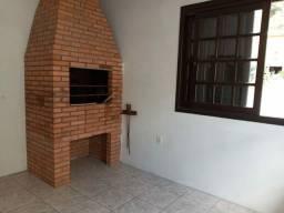 Dois Quartos, banheiro, cozinha, área de serviço, churrasqueira, na Bento Gonçalves