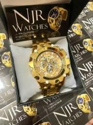 Relógio Invicta venom banhado a ouro skeleton