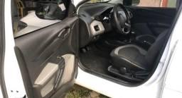 Chevrolet ônix 2016 branco para mais informações (41) 9  *