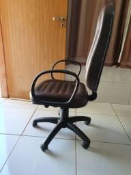 Moveis de escritorio cadeiras em couro.