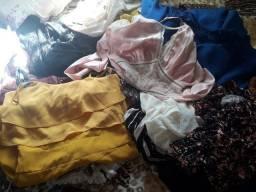 Lote de roupas semi novas para bazar