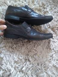 Sapato Masculino Magnata Couro Bovino Tam 40 usado muito pouco
