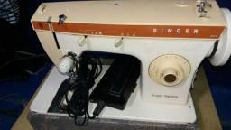 Uma máquina de costura Singer super Zig zag 250 reiais chamá no wadz *