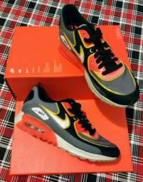 Tênis Nike Air Max e Air Force originais Tam. 36 b2d65b12dc5