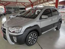 Toyota Etios HB Cross 1.5 MT 58mil KM por favor me procure DAVID