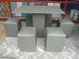 Mesa de 6 lugares com 6 Puff com entrega