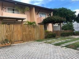 SU077 - Casa Duplex em Buraquinho - 04 quartos com 01 suíte