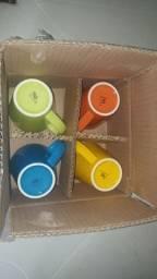 Xícaras coloridas
