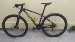 Bicicleta Rockhopper specialized