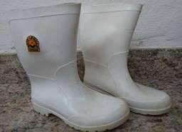 Bota plástica branca Sete Léguas Capataz - número 38 - cano médio - unissex.