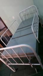 Cama Hospitalar articulada / semi-nova