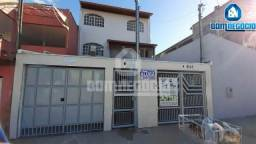 Aluga-se apartamento com 3 quartos -Bairro Santa Rita