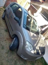 Fiesta Hatch 2006 completo
