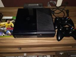 Xbox 360 500gb bloqueado + 2 Controles originais + 1 jogo Forza e 1 jogo PES 2016