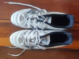 Tênis de futsal tamanho 41