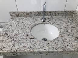 Bancada de mármore para banheiro com cuba deca e válvula