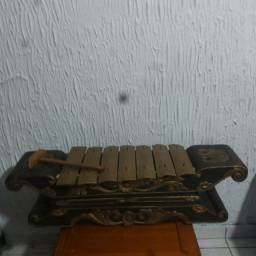 Metalofone de Bali (Sarau Barung )