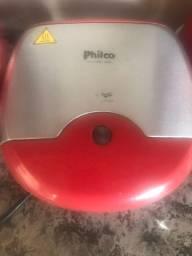Mini grill e sanduicheira Philco vermelha
