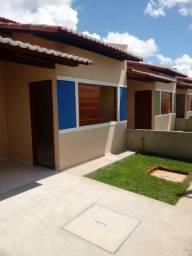 Vendo casa 2/4 novíssima 63m com ótimo acabamento. em condomínio!