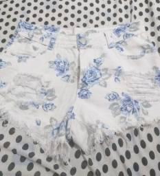 Short branco florido