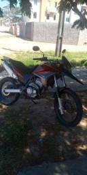 Vende-se linda moto xre300