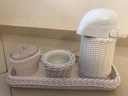 Kit Bebê/ Porta algodão, agua quente