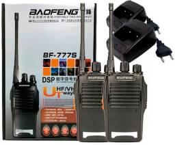 Par de Rádio Baofeng 777s + Fones
