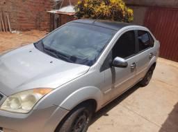 Fiesta sedan 1.0 2009